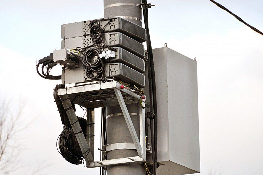 Опора двойного назначения сотовой связи
