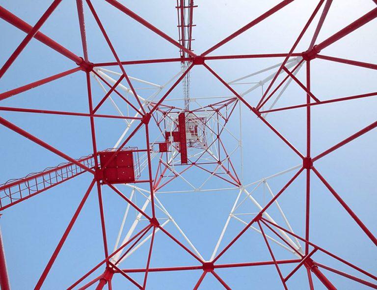 Монтаж опоры антенно-мачтового сооружения