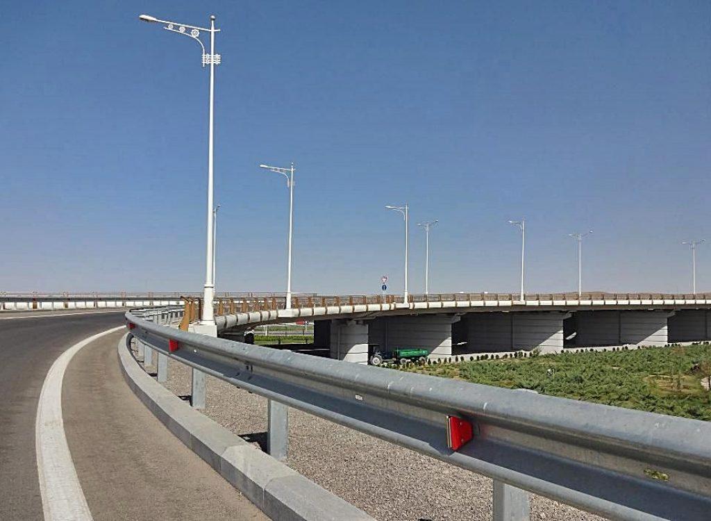 Мостовые ограждения автомобильных дорог